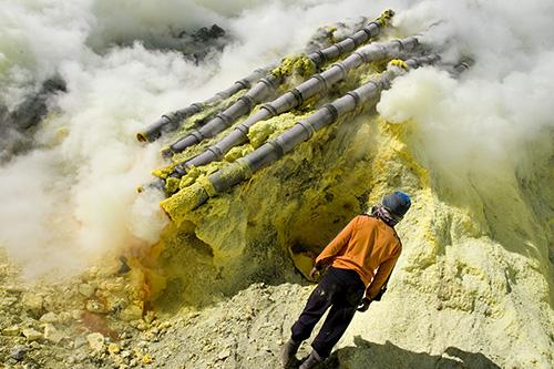 Sulphur Miner Ijen Crater